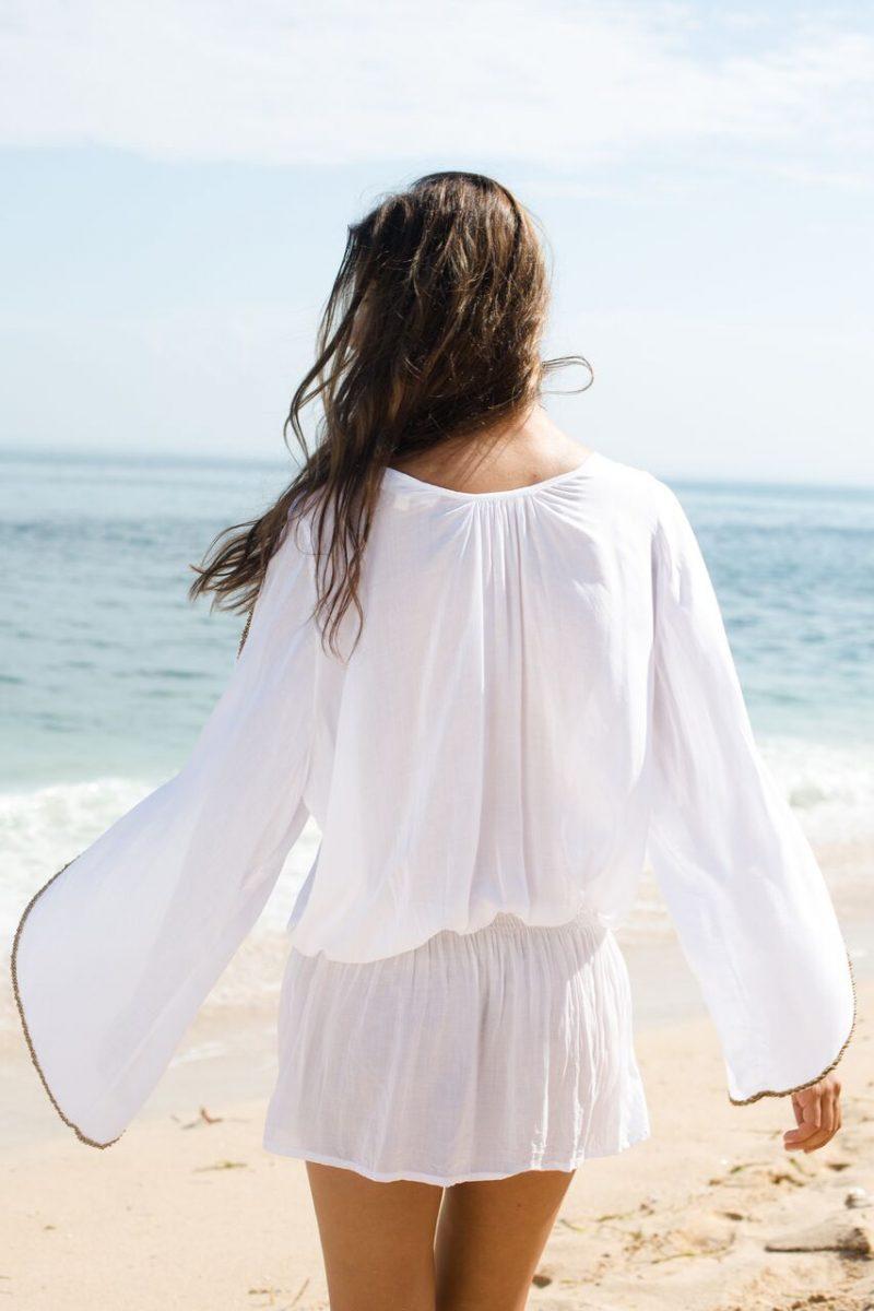 The Barefoot Aphrodite - White